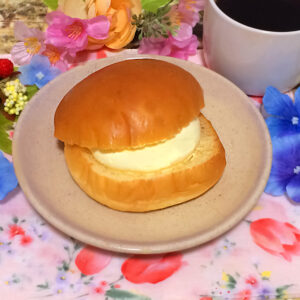 マリトッツォ(カスタードホイップ)山崎製パンの実食 2021/10/7